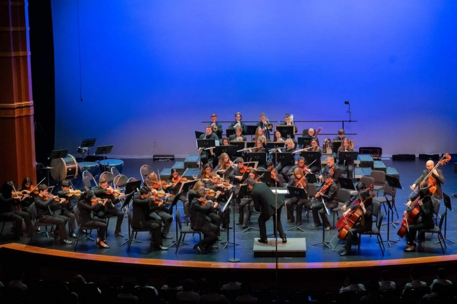 The+MPYO+Youth+Symphony+performs+at+the+Cherry+Hill+Village+Theater+in+December+2019.+%0A